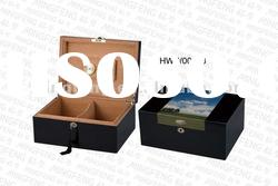 Luxury glossy lacquering Wooden humidor box