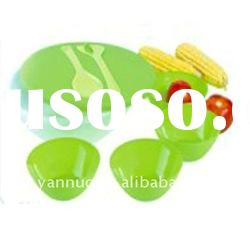 Plastic salad bowl set with lid