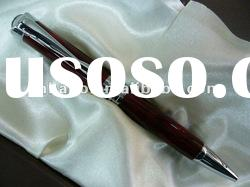 2011 new design high quality and fashion wooden pens