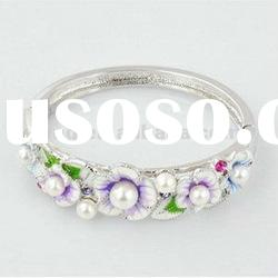Fashion elegant flowers with pearl spring alloy bangle