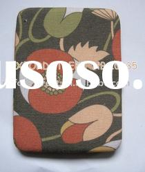 fabric wallet ; fashion accessories; ladies' wallet