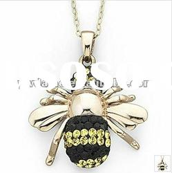 fashion bee design gold plated alloy pendant necklace with stone 121030