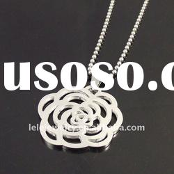 fashion stainless steel pendant necklace with flower designs
