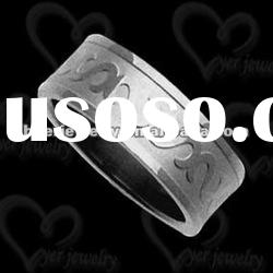 2012 wholesale fashion stainless steel jewelry ring/ Linear cutting