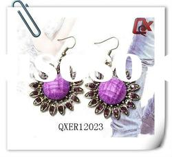 Fashion flower earring with resin and rhinestone (QXER12023)