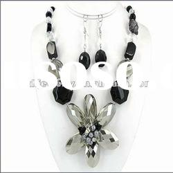 O & D Latest Model Fashion Necklace & Earrings Set