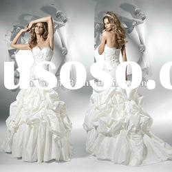 Stunning Sweetheart Appliqued Lace Trumpet Wedding Dress