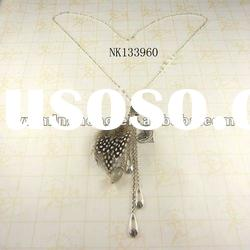 delicate design zinc alloy thin chain fashion winter necklaces with feather