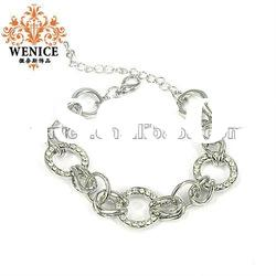 2012 latest fashion alloy bangle and bracelet with crystal,nice jewelry