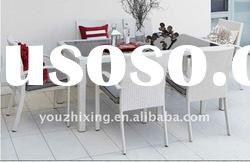 Aluminum rattan dining table with tempered glass top