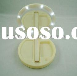 Foldable make up mirror with LED light