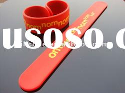 2012 fashion Silicone Snap wristband with printed or debossed logo