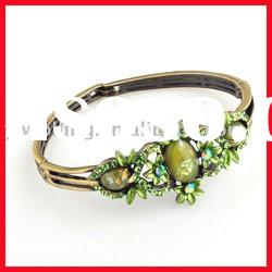 Fashion alloy bangles and bracelets/new style bangle/fashion imitation bracelet/fashion bangle