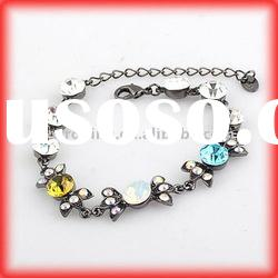 Fashionable Bracelet, Available in Various Designs and Colors, Made of Zinc Alloy and rhinestone