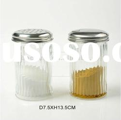 Machinemade round glass bottle for spices with metal lid