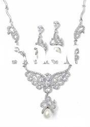 New Bridal Set Jewelry of Pearl & CZ Diamond Flower Necklace Matching Earrings