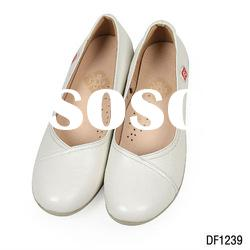 white leather nurse shoes with high quality and factory price