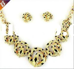 Hot sale modern jewelry lead and nickel safe alloy jewelry sets costume african