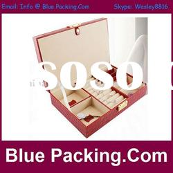 cosmetic packaging box with clasp