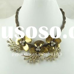 (EX$1.76/pcs) Lady Gold Alloy Pendant Flower Necklace With Diamond
