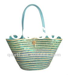 Bright wheat straw beach bag with paillettes