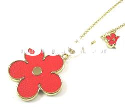 red color leather material flower shape pendant necklace