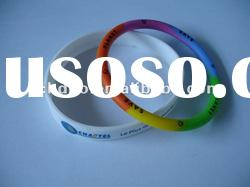fashion debossed silicone bracelet/Debossed silicone wristband
