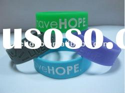 Hot selling debossed silicone bracelet/debossed silicone wristband