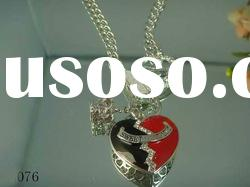 2011 brand necklace (Paypal accept)