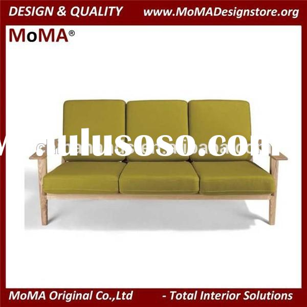 Fashionable Solid Wood Sofa Frame With Fabric Cushions Customize