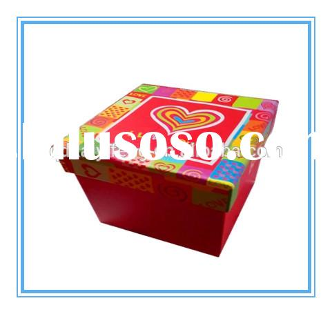 decorated cardboard gift boxes with lids and base design