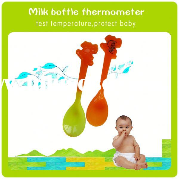 Food grade plastic spoon temperature baby feeding bottle with spoon