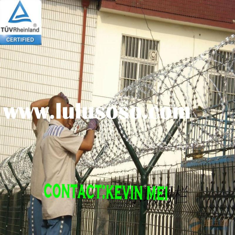 PVC coated iron protecting fence with razor barbed wire