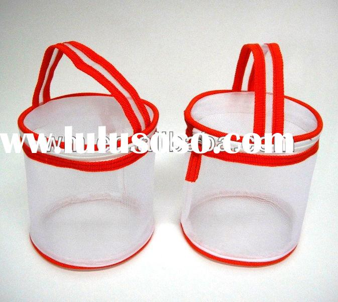Round gift bag,cheap PVC plastic gift bag with handle on the top